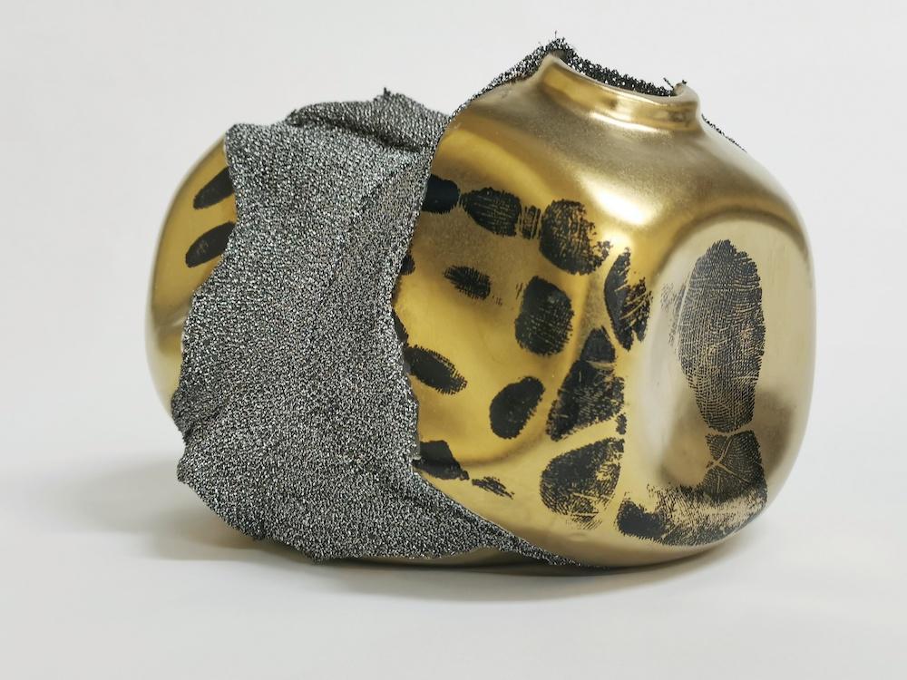 Shape of Attachment : Golden Vase 2