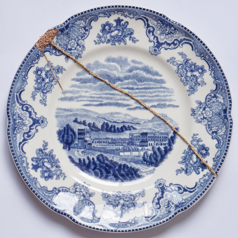 The Fragile Objects : Blue Plate (Old Britain Castles, Windsor in 1792)