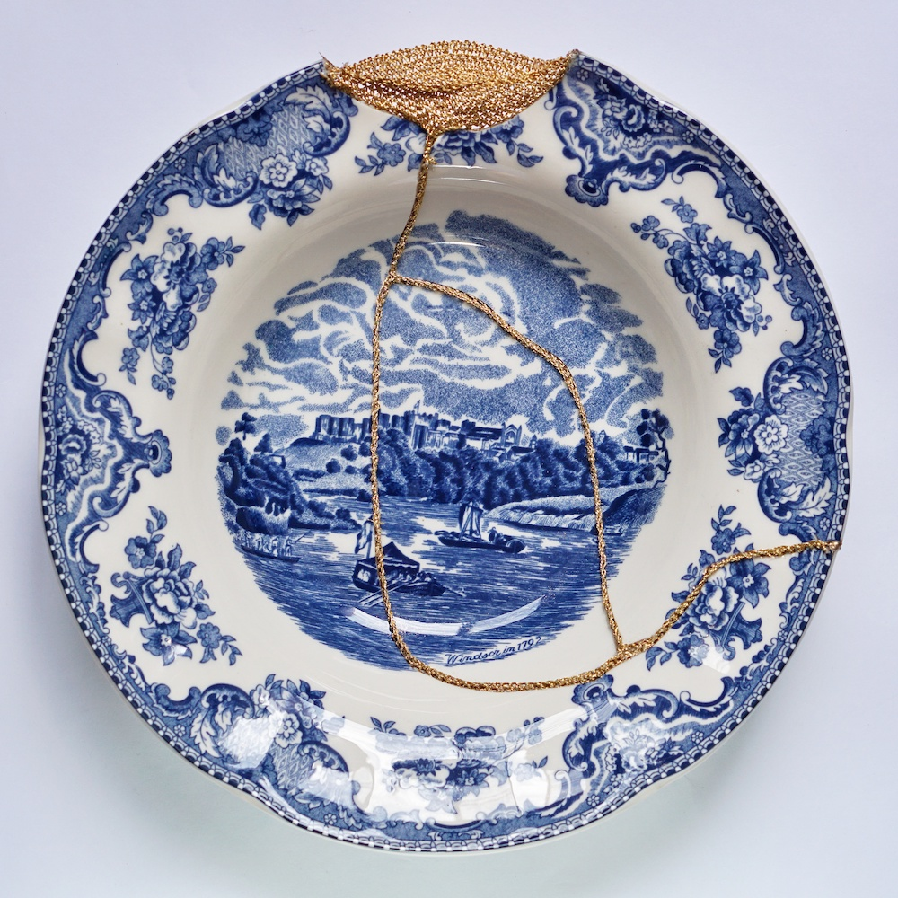 The Fragile Objects : Blue Soup Bowl (Old Britain Castles, Windsor in 1792)