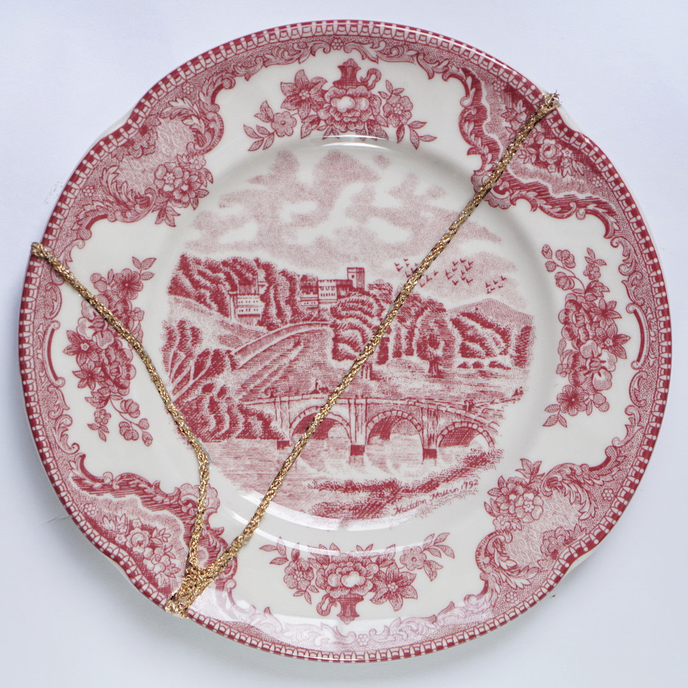 The Fragile Objects : Red Plate No.3 (Old Britain Castles, Blarney Castle in 1792)